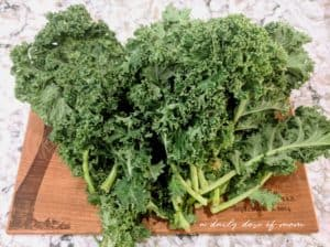 Crunchy and Delicious Kale Chips 1