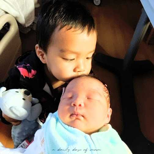 How to Introduce an Older Sibling to Baby 2