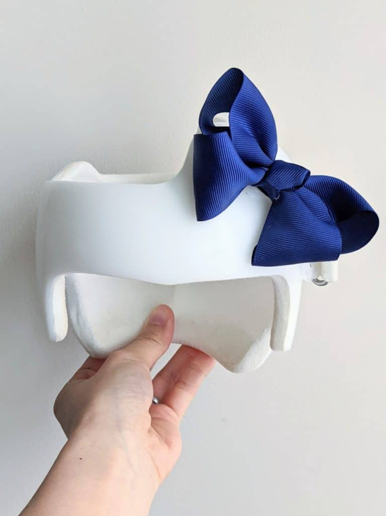How to Attach a Bow to a Cranial Helmet: Complete 5-minute DIY Guide